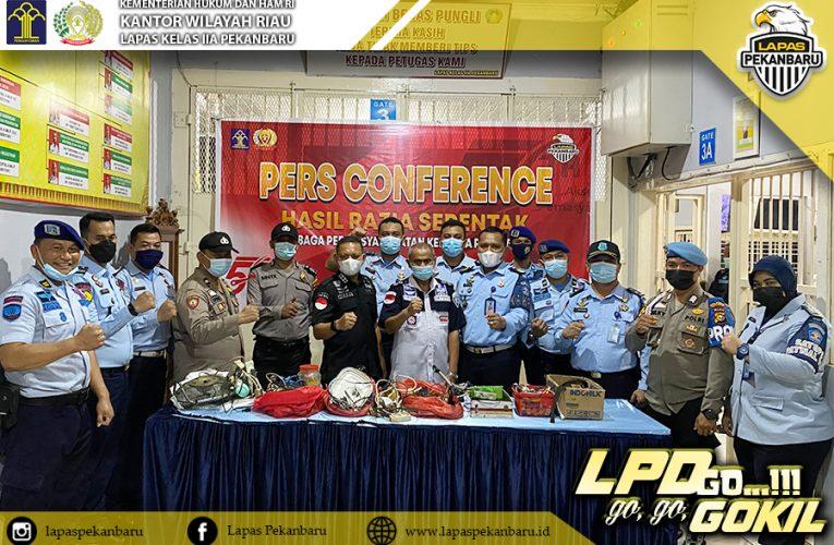 Kerjasama dengan APH, Lapas Pekanbaru adakan Razia Bersama Kepolisian